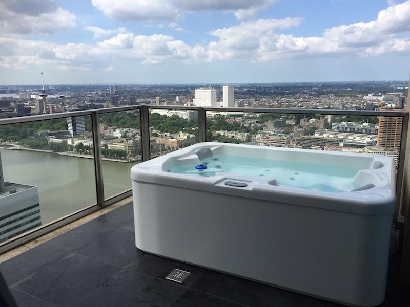 Whirpool op de 40e etage in Rotterdam