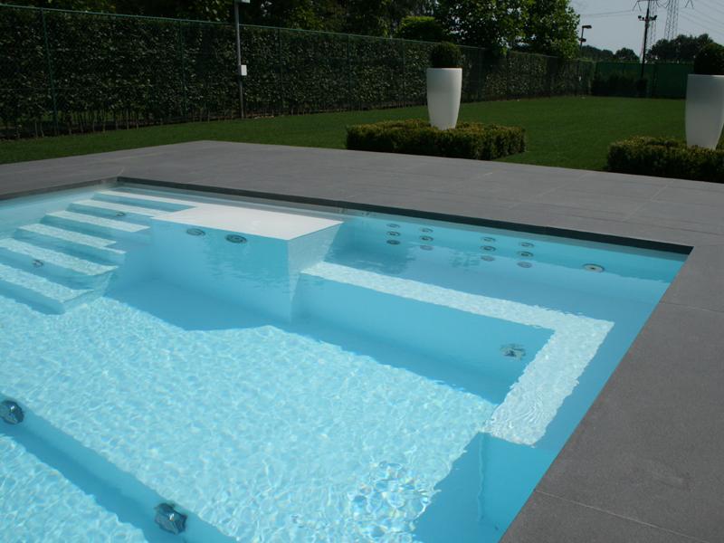Zwembad Laten Bouwen : Zwembad informatie